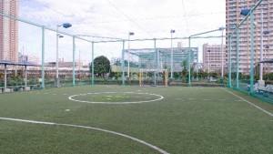サッカーの簡単なドリブルフェイント3選!
