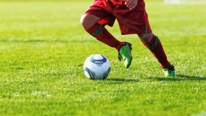 歴代サッカー選手でドリブルの世界最強のプレーヤーは誰?